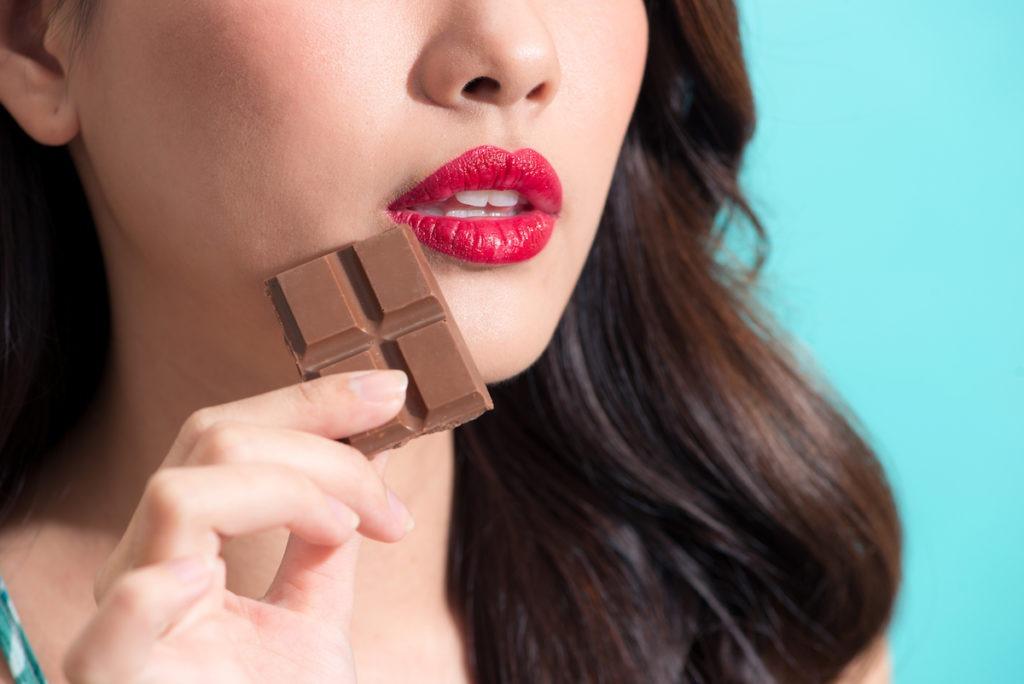 美人が食べるスイーツ、「ローチョコレート」とは?