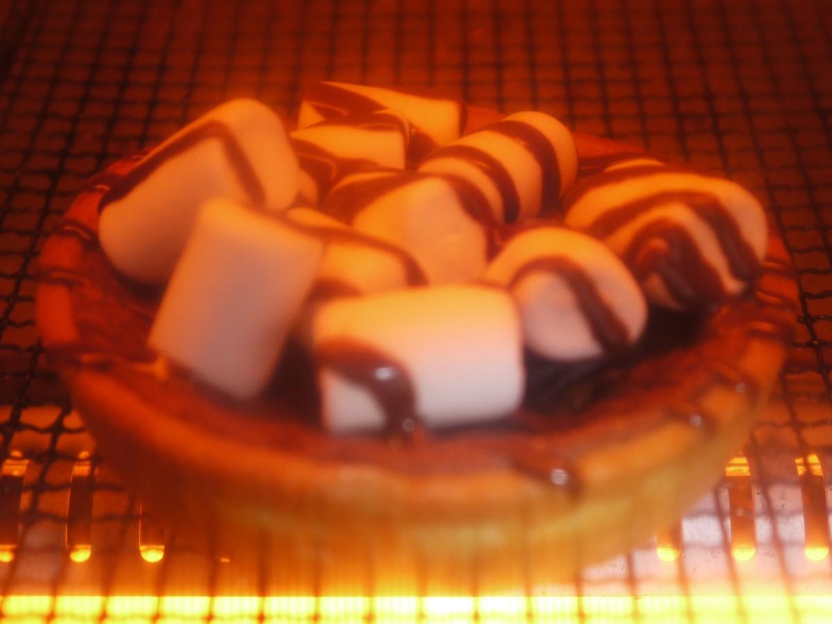 セブンイレブンのスモアタルト_トースターで焼く